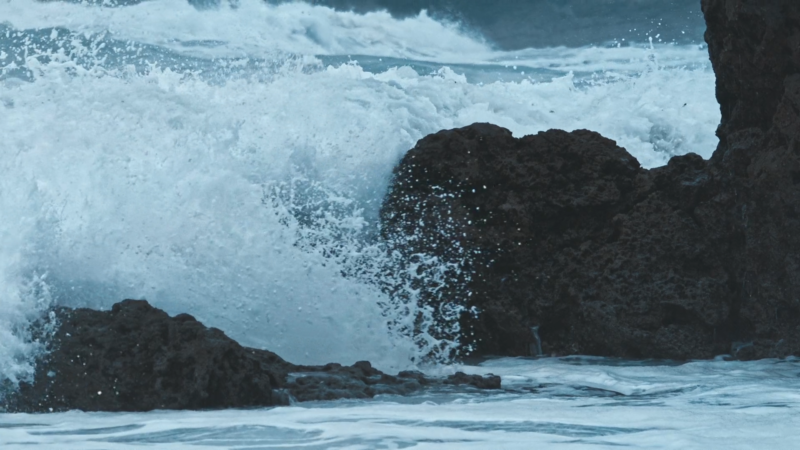 La Mer Miracle Broth H264 00 00 09 18 Still001